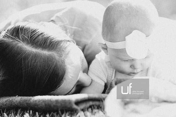 ultrafocused-photography-mackenzie-and-daughter-fall-2016-infant-portrait-photography-15
